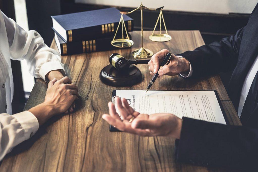 Jakie usługi wykonuje notariusz?